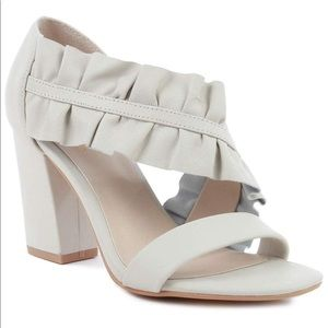 🆕 Seychelles To Do List Off White Leather Heels